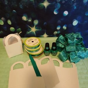 Miscellaneous teal wedding things